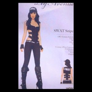 Woman's costume size Medium , hat included
